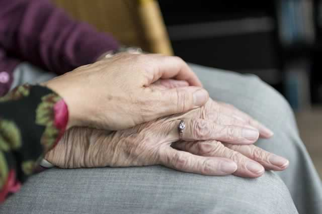 How Geriatric Counseling Helps Your Aging Loved One to Communicate Effectively